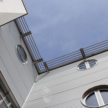 Gebr.Daut-Dachdeckerfachbetrieb-Dachdecker-Leistung-Hausfassade